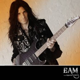 MIKE CAMPESE Signs Deal With Agentur EAM